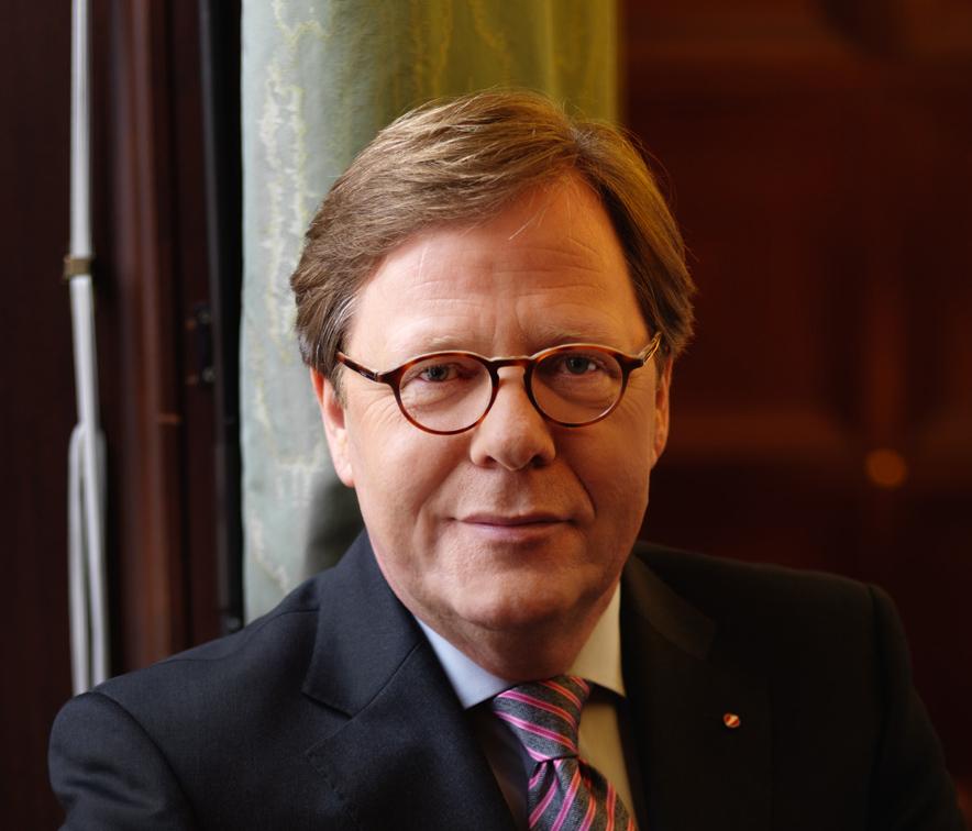 Bank Austria-Chef Willibald Cernko setzt harten Schnitt bei Firmenwert, Ukraine: 1,6 Mrd. Euro Minus - Willibald-Cernko-Credit-peterrigaud.com-Bank-Austria