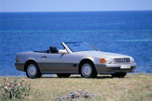Mercedes Benz SL der Baureihe R 129 aus dem Jahr 1989 Credit Daimler AG 300x200
