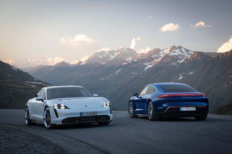 Porsche Taycan Turbo S und Turbo Credit Porsche Bauer