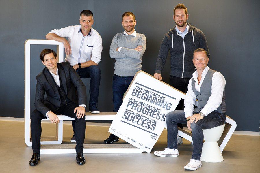 Csendes Eisler Filippi Horak Lehner Credit startup300