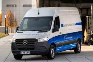 eSprinter Credit Mercedes Benz 300x200