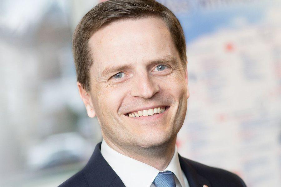 Bernhard Reikersdorfer Credit Remax schwarz koenig