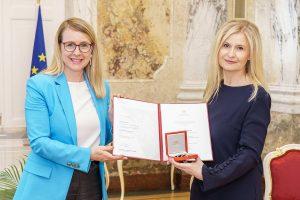 Wirtschaftsministerin Margarete Schramböck Sonja Sarközi Credit Andreas Tischler 300x200