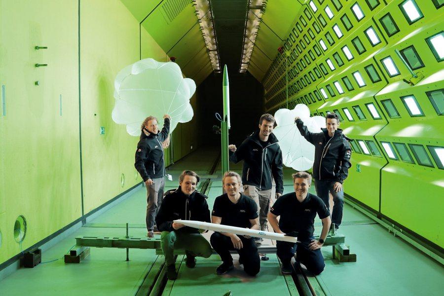 Aerospace Team der TU Graz im Windkanal Credit ASTG